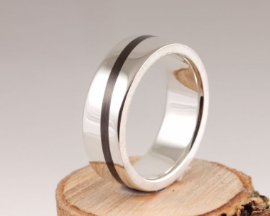 17th Edition Carbon Ring